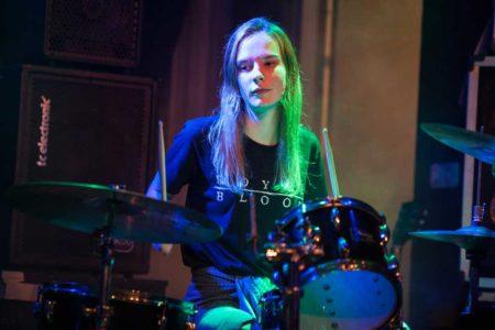 Optreden tijdens het 10 jaar Drumschool Sven Bakker feest