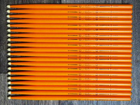 Drumsticks met Sven Bakker naamlogo
